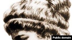 Гипатия (Hypatia) из Александрии (после 370 – 415) – математик и астроном. Написала комментарии к «Арифметике» Диофанта и «Коническим сечениям» Аполлония. Гипатии тоже пришлось доказывать, что ее математические способности не слабей, чем у мужчин.