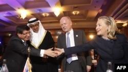 """Hilari Klinton na konferenciji grupe """"Prijatelji Sirije"""" u Tunisu, 24. februar 2'012."""