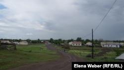 Новые дома в селе Кокпекты, где в марте 2014 года произошло сильное наводнение из-за прорыва Кокпектинской плотины. 20 июня 2016 года.