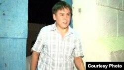 Жанболат Мамай, қамаудан шыққан сәтінде. Aқтау. 26 тамыз 2011 жыл.
