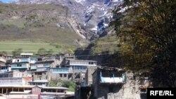 В Хасавюртовском районе Дагестана был найден крупный схрон с оружием и боеприпасами