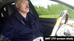 Аляксандар Лукашэнка за рулём на 2-й МКАД