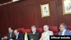 محمد خزاعی، رئیس سازمان سرمایه گذاری و کمکهای اقتصادی وفنی ایران (نفر دوم از راست)