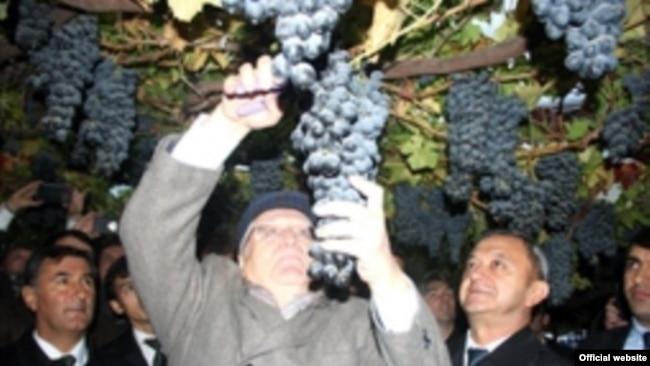 Жириновский в Таджикистане. Фото пресс-службы президента Таджикистана