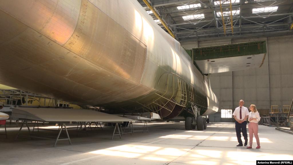 В свое время таких гигантов планировали построить минимум 10, но амбициозную советскую космическую программу, под которую специально конструировали «Мрію», свернули