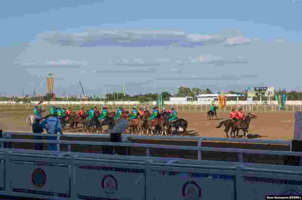 Одной из стартовых игр чемпионата стал поединок между сборными Монголии и Кыргызстана.