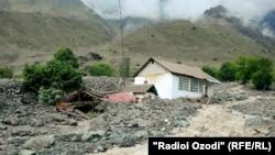 Tajikistan,Darvoz,district, flood in Zing Darvoz,12May2016