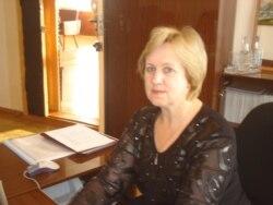Елена Дунаенко мәктәпне ябу сәбәпләре турында сөйли