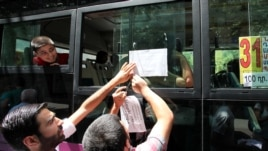 Armenia - Youth activists urge commuters to defy higher bus fares, Yerevan, 21Jul2013
