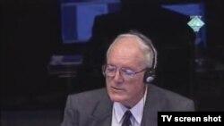 Svjedok Richard Wright u sudnici, 1. prosinca 2011.