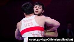 Обладатель бронзовой медали чемпионата Азии по борьбе Мурат Рамонов. Бишкек, 27 февраля 2018 года.