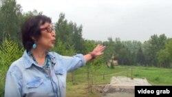 Омски шәһәре татарлары милли-мәдәни мохтарияте идарәсе әгъзасы Фәгыйлә Чумарова Ермакка куелачак һәйкәл нигезе янында