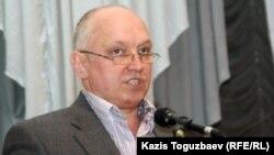 """Лидер оппозиционной партии """"Алга"""" Владимир Козлов. Алматы. 29 января 2011 года."""