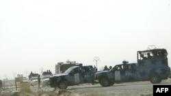 نیروهای پلیس عراق در خارج از اردوگاه اشرف