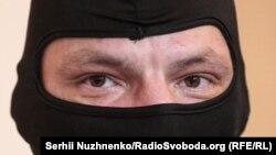 Піаніст Майдану досі публічно не з'являється без балаклави і майже не дає інтерв'ю