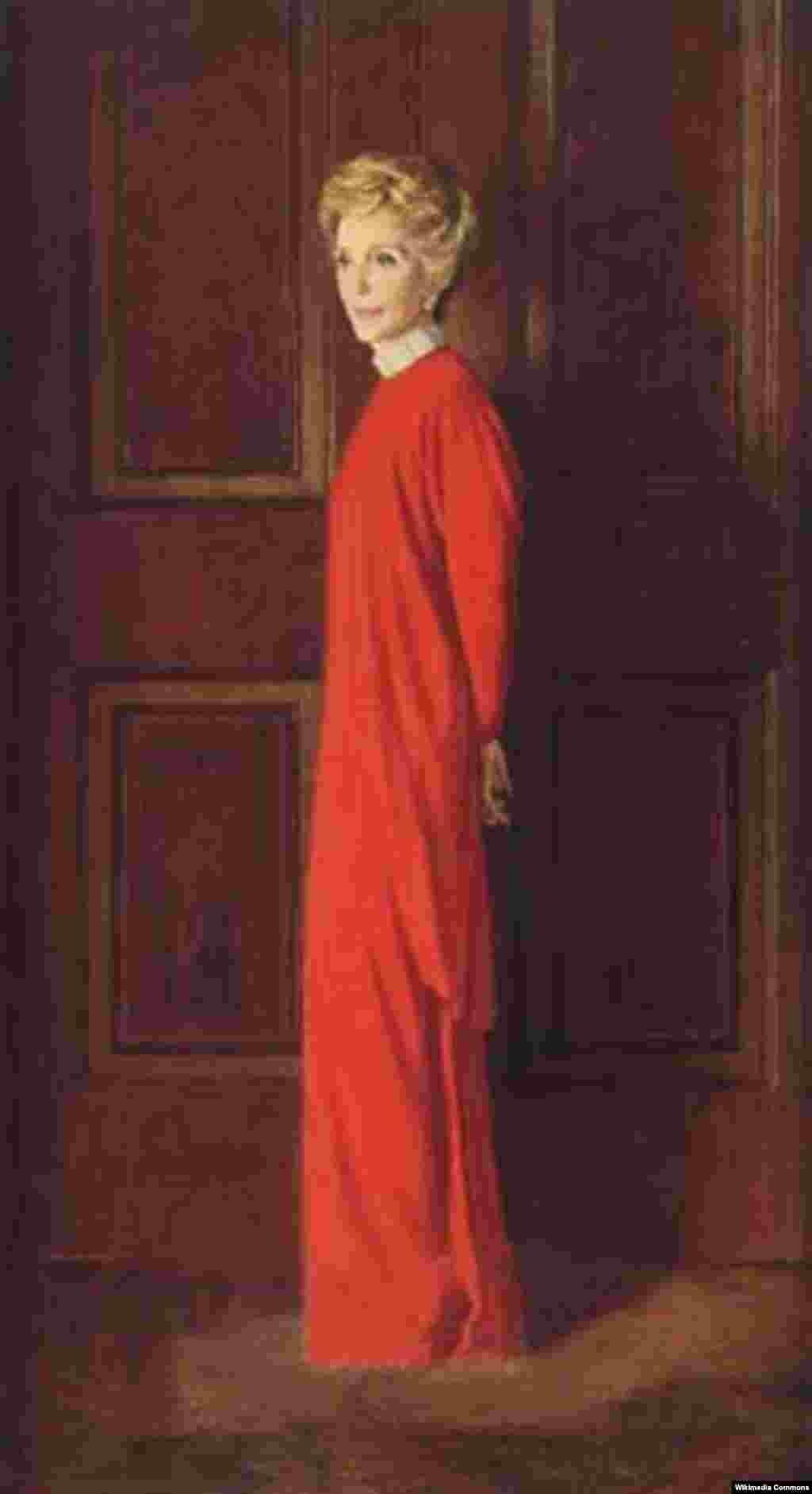 Официальный портрет Нэнси Рейган в Белом доме.