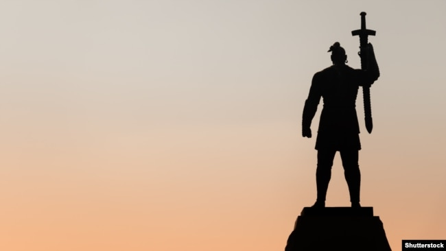 Пам'ятник у Запоріжжі правителю України-Русі, Київському князю Святославу Хороброму (945–972)