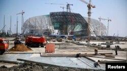 Ռուսաստան - Սոչիում կառուցվող «Ֆիշտ» օլիմպիական ստադիոնը, օգոստոս, 2013թ․