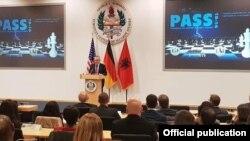 """Presidenti Ilir Meta gjatë ligjëratës së tij në Qendrën Evropiane të Sigurisë """"Xhorxh Marshall"""", në Gjermani"""