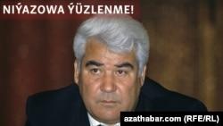 Türkmenistanyň ilkinji prezidenti Saparmyrat Niýazow.