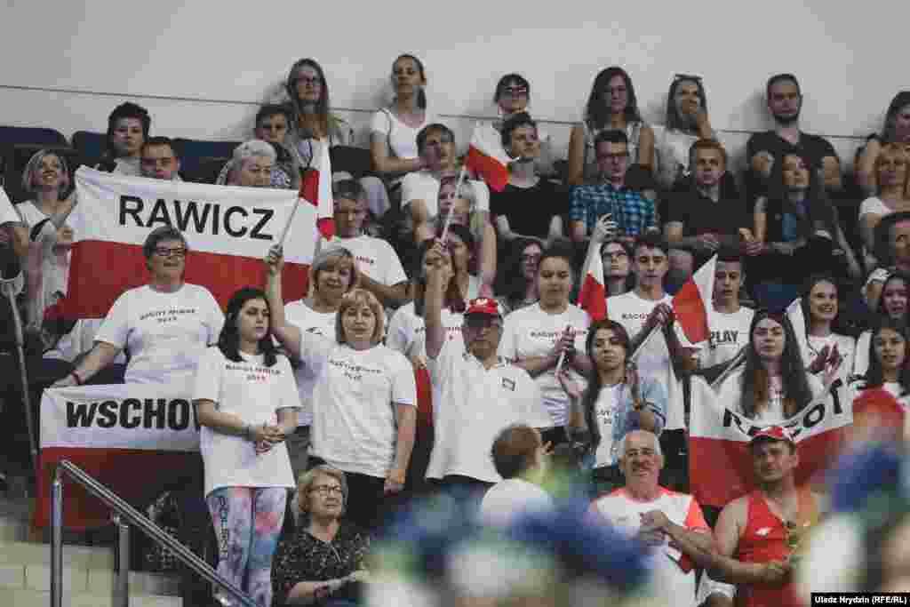 Сваіх горача падтрымлівалі польскія заўзятары