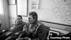 La Timișoara în zilele revoluției cu lt.col. Damian și maiorul Viorel Oancea (Foto: Bernd Markowsky)