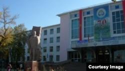 Кыргызская государственная медакадемия в Бишкеке.
