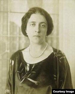 Адель Блох-Бауер в 1915