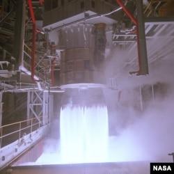 РД-180 проходит тесты в США в 1998 году