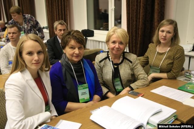 Эмилия Слабунова с коллегами из Карелии
