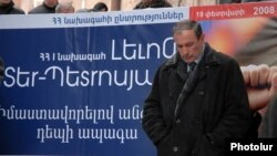 Armenia - Former President Levon Ter-Petrosian at an election campaign rally, February 13, 2008.