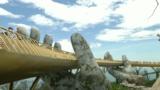 Во Вьетнаме открыли «Золотой мост» на руках