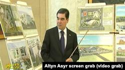 Президент Туркменистана Гурбангулы Бердымухамедов даёт советы по строительству новых гостиниц