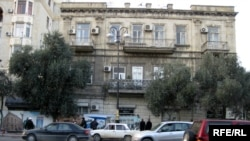 «Qız qalasının qonşusu» kimi tanınan Neftçilər 95 -97 saylı bina