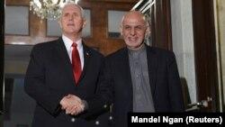 اشرف غنی رئیس جمهور افغانستان و مایک پنس معاون رئیس جمهور امریکا