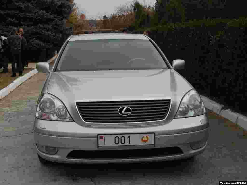 Cea mai pazita masina din Transnistria.