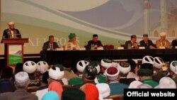 VI Бөтенрусия татар дин әһелләре форумының пленар утырышы