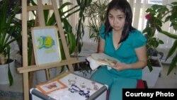 """""""Тұмар"""" шығармашылық тобының мүшесі Айнұр Қанатбаева. Жеке мұрағаттан алынған сурет."""