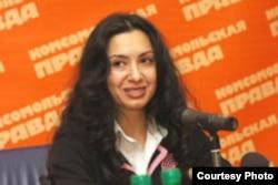 Nodira Hidoyatova in 2005