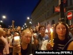Протест проти судової реформи, що її проводить у Польщі владна партія «Право і справедливість». Варшава, липень 2017 року