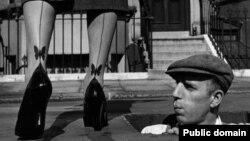 Эротика нейлоновых чулок. 1947 год, США