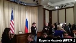 Перед началом пресс-конференции в Москве