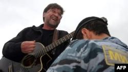Сторонники Юрия Шевчука связывают отмену концертов ДДТ в Сибири с его публичной критикой власти