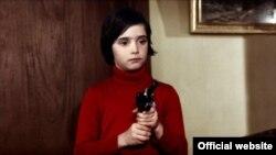 Ана Торэнт у фільме «Выкармі крумкачоў»
