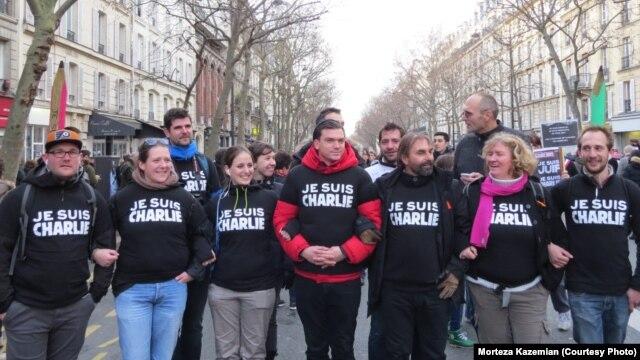 Франциядағы Charlie Hebdo журналына шабуылға наразылық шеруі.