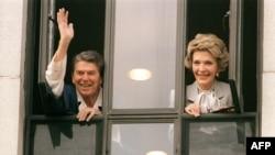 Рональд Рейган с супругой Нэнси.