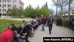 Radnici ispred sjedištva federalne vlade u Sarajevu