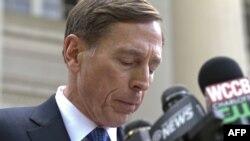 Ish-shefi i CIA-s, David Petraeus.