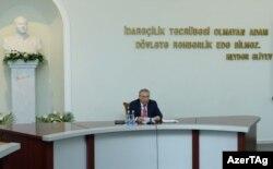 Ramiz Mehdiyev Dövlət İdarəçilik Akademiyasında çıxış edir.