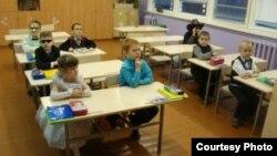 На ўроку ў першай клясе школы №32. Фота: t-styl.info